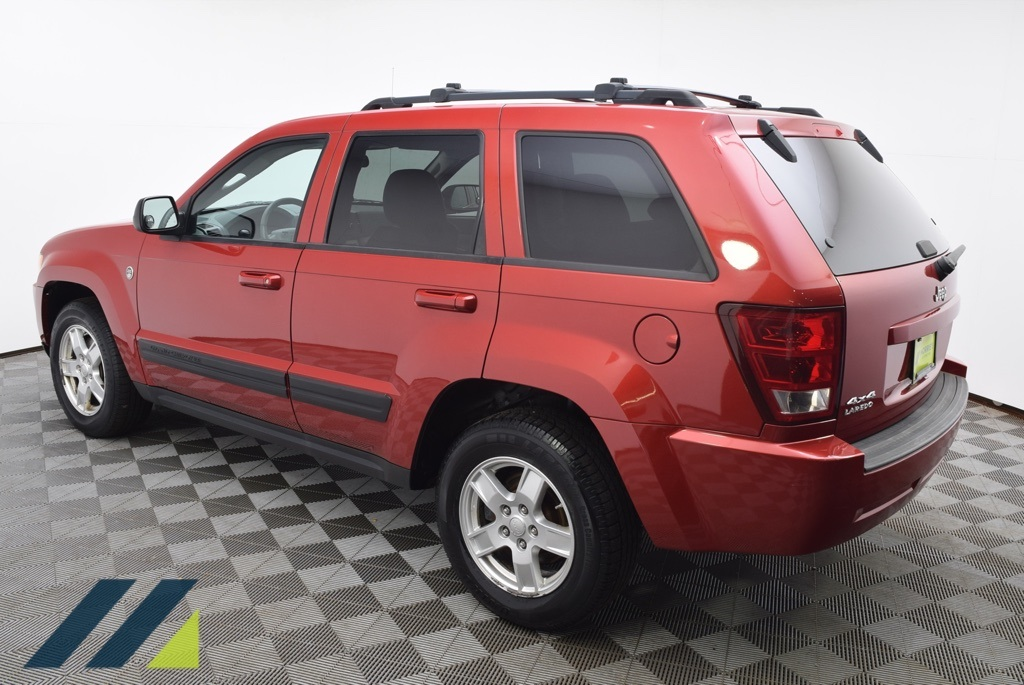 Pre-Owned 2006 Jeep Grand Cherokee Laredo