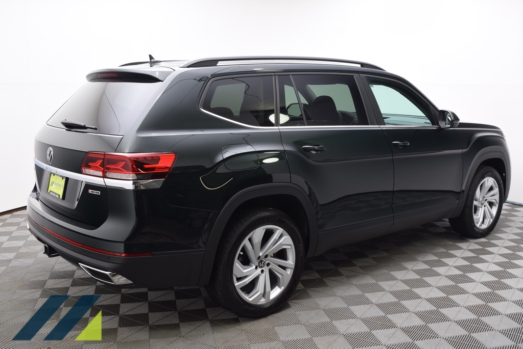 New 2021 Volkswagen Atlas 3.6L V6 SE w/Technology and 4Motion