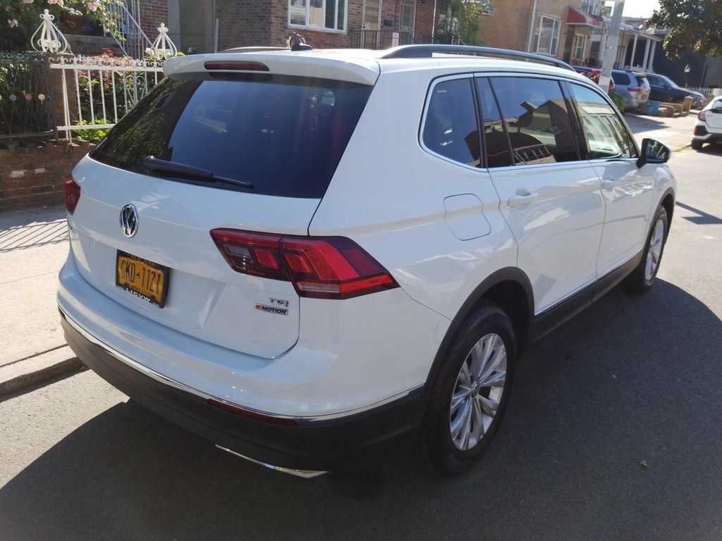 Pre-Owned 2018 Volkswagen Tiguan 2.0T SE 4Motion